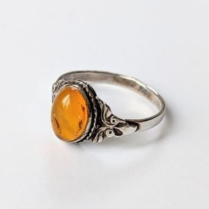 Jewelry - Vintage Silver Tone Ring With Baltic Amber